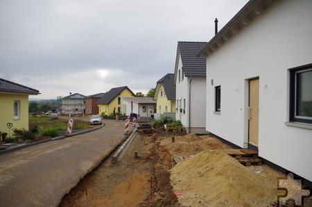 """Die Bauarbeiten an den Straßen im zweiten Bauabschnitt des Bauge-biets """"3 Burgenblick"""" schreiten voran. Foto: Johannes Mager/pp/Agentur ProfiPress"""