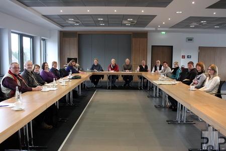 Im Mechernicher Ratssaal kamen die Archivare aus dem Kreis Euskir-chen zu ihrer Arbeitstagung zusammen. Thema war unter anderem die digitale Nutzung von Archivgut. Bild: Steffi Tucholke/pp/Agentur Profi-Press