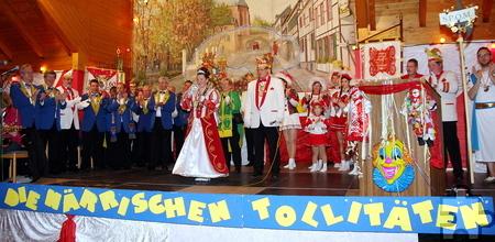 Hochbetrieb herrschte auf der Bühne, als die drei Kern-Mechernicher Karnevalsgesellschaften ihre Jugendprinzessin Sarah Falk vorstellten. Foto: Hermann-Josef Schlimper/pp/Agentur ProfiPress