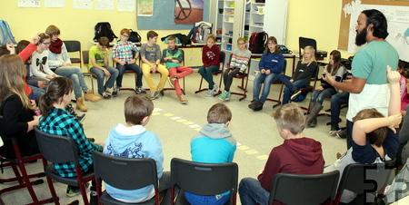 Die verschiedenen Formen von Gewalt wurden mit den Schülern besprochen und ihre Folgen thematisiert. Foto: Bernhard Karst/pp/Agentur ProfiPress