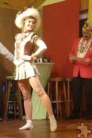 Auch Solomariechen Larissa Hutflies will auf der Proklamation am Samstag, 22. November, tanzen. Ihr Können bewiss sie bereits bei der Verbandsmeisterschaft des Regionalverbandes Rhein-Sieg-Eifel im Bund Deutscher Karneval, die sie für sich entscheiden konnte. Bild: Privat/pp/Agentur ProfiPress