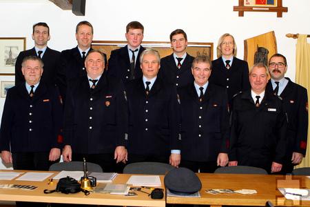 Bei der Löschgruppe Obergartzem wurden zur Jahreshauptversammlung einige Aktive befördert oder anlässlich ihrer Dienstjubiläen geehrt. Foto: Paul Düster/pp/ProfiPress