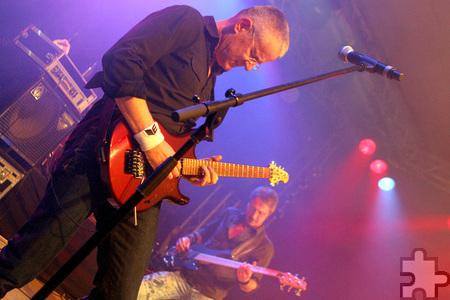 """Gitarrist Joachim """"Joga"""" Waasem überzeugte im vergangenen Jahr mit seinen Soli. Auch bei der 23. Blankenheimer Oldie-Night am Samstag, 21. März, ist er mit seiner Band """"Männer von Flake"""" mit von der Partie. Archivfoto: Paul Düster/pp/Agentur ProfiPress"""