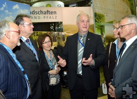 ET-Geschäftsführer Klaus Schäfer führte in Berlin zahlreiche Gespräche. Auch Wirtschaftsförderin Iris Poth war präsent. Foto: Manfred Lang/pp/Agentur ProfiPress