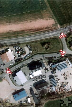 Durch die Sperrung des an der Ortseinfahrt Schaven beginnenden Teilstücks der Kölner Straße kann Schaven für die Dauer der Baumaßnahme nur über den unterhalb des Kommerner Sportplatzes verlaufenden Wirtschaftsweg angefahren werden. Foto: EDV - Dr. Haller & Co. GmbH