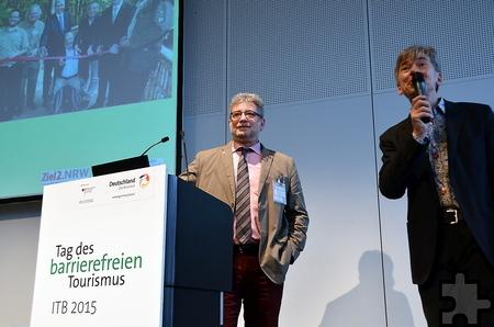 Moderator Marcus Weisen (r.) zeigte sich beeindruckt vom barrierefreien Engagement des Nationalparks Eifel und vom Referat von Michael Lammertz. Foto: Manfred Lang/pp/Agentur ProfiPress