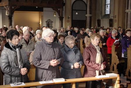 Mehr als 150 Gläubige waren allein zum Festgottesdienst in die Wall-fahrtskirche St. Georg in Kallmuth gepilgert. Foto: Steffi Tucholke/pp/ProfiPress