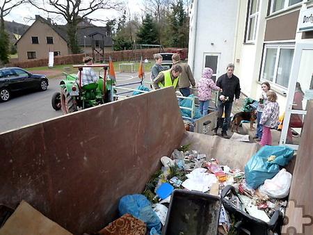 Im vergangenen Jahr konnte mit dem rund um Lorbach eingesammelten Müll ein bereitgestellter Container gefüllt werden. Foto: Privat/pp/Agentur ProfiPress