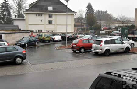 Zirka 30 neue Stellplätze wurden im Rahmen der Straßensanierung geschaffen, im Bereich der St. Barbara-Schule und der Straße Im Sande kommen weitere 32 Plätze hinzu. Foto: Renate Hotse/pp/Agentur ProfiPress