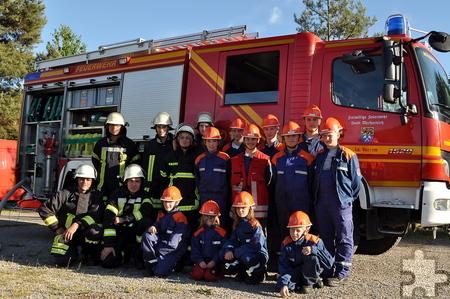 Die Löschgruppe Vussem der Freiwilligen Feuerwehr Mechernich hat eine Jugendabteilung ins Leben gerufen. Derzeit besteht die Gruppe aus 16 weiblichen und männlichen Jugendlichen im Alter von zehn bis 17 Jahren. Foto: Achim Nießen/pp/Agentur ProfiPress
