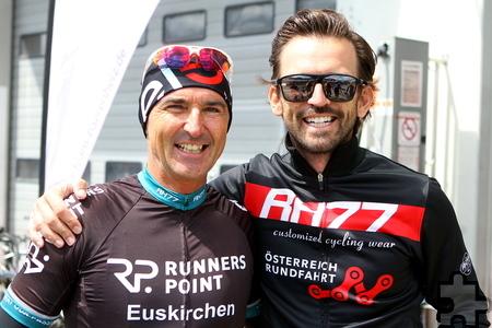 Hatten sehr viel Spaß beim diesjährigen 24-Stunden-Radrennen am Ring: Wilfried Oberauner und René Haselbacher (von links). Foto: Paul Düster/pp/Agentur ProfiPress