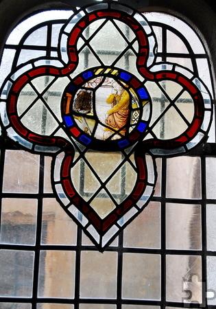 Dieses Teilstück, das Latz und Pater Bernward in einer kleinen englischen Kirche entdeckten, befindet sich heute wieder im Kreuzgang. Foto: Renate Hotse/pp/Agentur ProfiPress