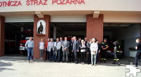 Auch den Floriansjüngern in Skarszevy statteten die Gäste aus Mechernich einen Besuch ab. Foto: Privat/pp/Agentur ProfiPress