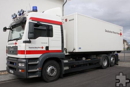 Bei Hilfseinsätzen werden Container mit dem benötigten Material auf die Fahrzeuge verladen. Auf dem neuen Platz können nun die Container sicher abgestellt werden. Foto: Steffi Tucholke/pp/Agentur ProfiPress