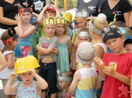 """Für das Lied """"Sommerfest auf der Wiese"""" hatten sich die Kinder als Marienkäfer, Bienen und Mäuse verkleidet. Foto: DRK/pp/Agentur ProfiPress"""