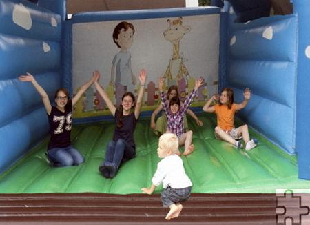 Für die Kinder gab's bei der Lorbacher Kirmes eine Hüpfburg. Foto: Privat/pp/Agentur ProfiPress
