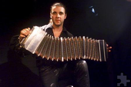 Stephan Langenberg spielt in der Tangomesse das Bandoneon. Foto: Veranstalter