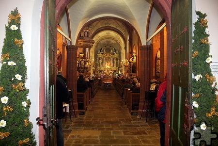 Zur Eröffnung der Heiligen Pforte in der Basilika Steinfeld waren die Kirchenbänke voll besetzt. Foto: Steffi Tucholke/pp/Agentur ProfiPress
