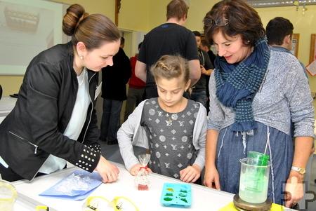 Kleine Seifen konnten unter Anleitung selbst hergestellt und als Mitbringsel mit nach Hause genommen werden. Foto: Renate Hotse/pp/Agentur ProfiPress