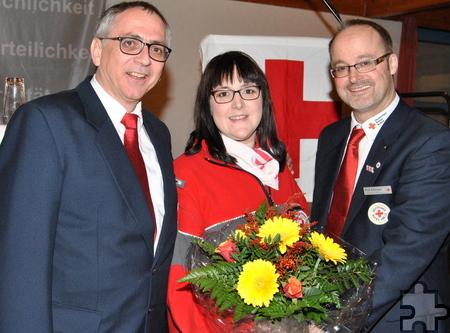 Zur stellvertretenden Kreisvorsitzenden wurde Bianca Züll vom Ortsverein Kall gewählt. Ihr gratulierten Vorsitzender Karl Werner Zimmermann (l.) und Kreisgeschäftsführer Rolf Klöcker. Foto: Renate Hotse/pp/Agentur ProfiPress