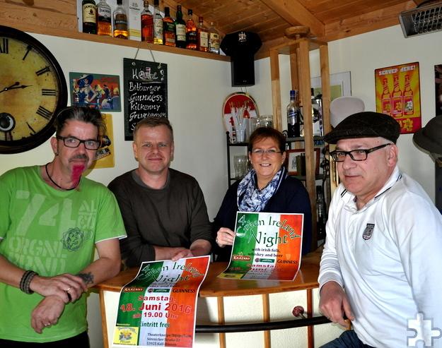 Die Organisatoren der 4. Green Ireland Night: Von links: Rene Koder, Andreas Bellgardt, Heike Huber und Andre Ruzek. Foto: Reiner Züll/pp/Agentur ProfiPress
