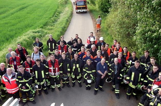 An dem Übungseinsatz waren 48 Feuerwehrleute aus den Mechernicher Ortsteilen Vussem, Harzheim, Lorbach, Eiserfey und Weyer beteiligt. Foto: Achim Nießen/pp/Agentur ProfiPress