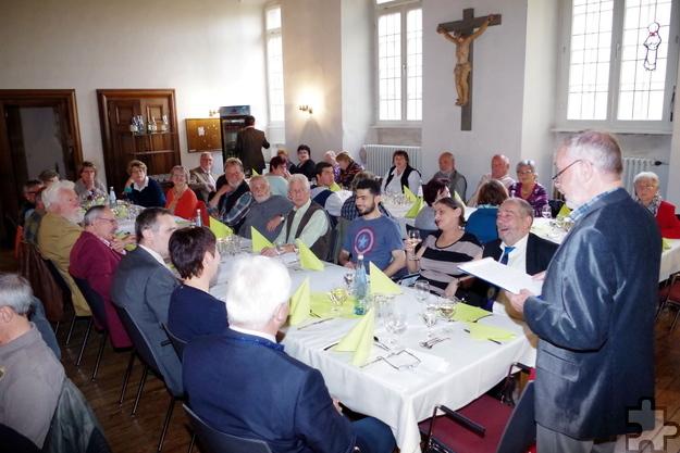 Viele der Ehrenamtler der Kaller Tafel feierten gemeinsam das zehnjärhige Bestehen ihres Vereins. Foto: Johannes Mager/pp/Agentur ProfiPress