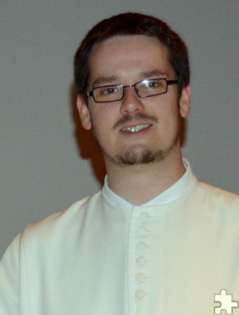 Frater Jakob gab den Schülern in der Aula Einblicke in das Ordensleben der Prämonstratenser. Foto: HJK/pp/Agentur ProfiPress