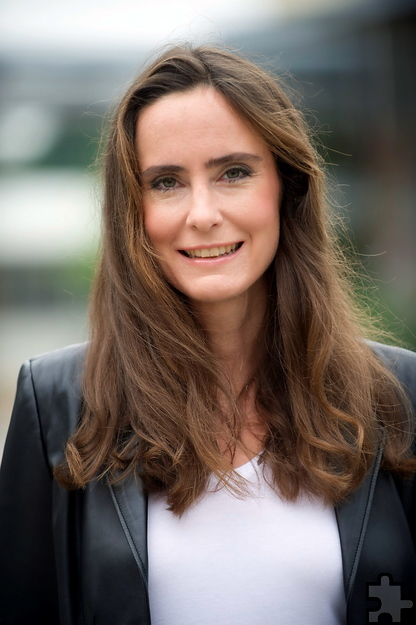 """Bestseller-Autorin Tanja Kinkel liest für die Lit.Eifel in der Firmenicher Zikkurat aus ihrem neuen Buch """"Schlaf der Vernunft"""". Foto: FinePic/Henkensiefken"""