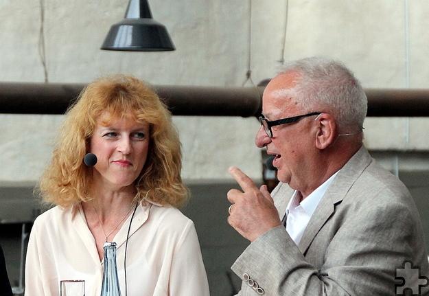 """Sie spielten sich gegenseitig die Bälle zu: WDR-Moderatorin Katia Franke und """"Kreis-Medizinmann"""" Dr. Franz-Josef Zumbé. Foto: Claudia Hoffmann/pp/Agentur ProfiPress"""