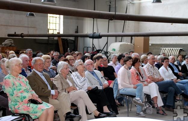 """Über 160 Literaturfreunde wurden bei der jüngsten Auflage der Reihe """"Gespräch und Rezitation"""" im Kuchenheimer Tuchmuseum gezählt.   Foto: Claudia Hoffmann/pp/Agentur ProfiPress"""