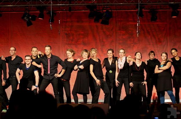 """Der Chor """"art&weise"""" mit rund 30 Sängern aus Köln und Umgebung tritt beim Benefizkonzert des Kiwanis Club Nordeifel am Samstag, 4. Juni, um 19 Uhr in der Aula des Städtischen Gymnasiums Schleiden auf. Foto: Michael Gornig/pp/Agentur ProfiPress"""