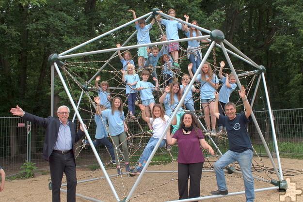 Klettergerüst Spinnennetz : Spinnennetz als klettergerüst profipress u agentur