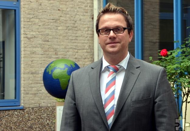 Micha Kreitz, seit 2005 Lehrer am städtischen Gymnasium Am Turmhof, wurde vor knapp drei Wochen zum neuen Direktor der Schule ernannt. Foto: Sarah Winter/pp/Agentur ProfiPress