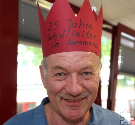 Gekrönt für 25 Jahre an der KGS Kommern: Seit 1991 leitet Willy Gemünd die Schule. Foto: Thomas Schmitz/pp/Agentur ProfiPress