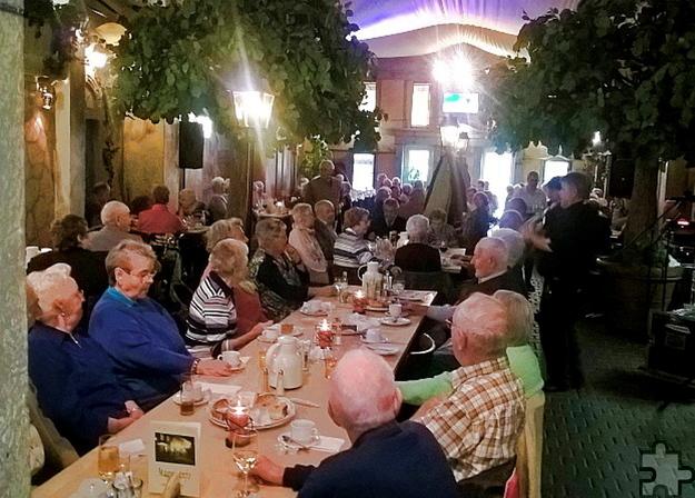 Im vergangenen Jahr nahmen zahlreiche Senioren die Einladung des Vereinskartells ins Mechernicher Restaurant Magu an. Foto: Privat/pp/Agentur ProfiPress