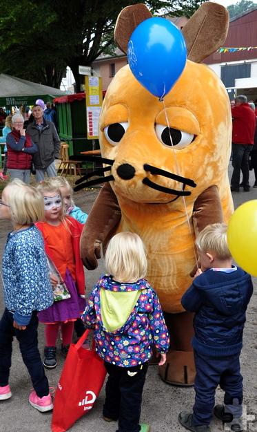 Die WDR-Maus war bei den Kindern besonders gefragt. Foto: Reiner Züll/pp/Agentur Profipress