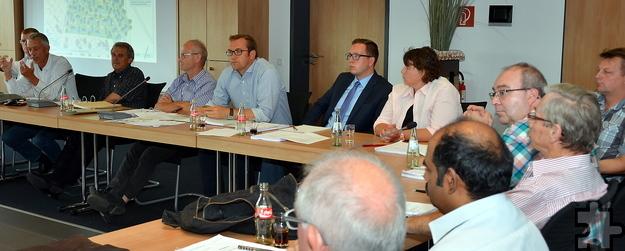 Während der Stadtentwicklungsausschusssitzung am Dienstag: Teile von SPD und Verwaltung. Foto: Manfred Lang/pp/Agentur ProfiPress