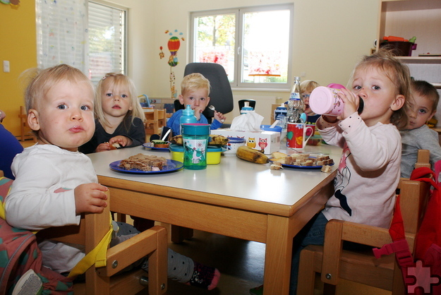 Mit der Aufnahme von Krippenkindern im Alter zwischen drei Monaten und drei Jahren unterstützt das Familienzentrum Kall die Vereinbarkeit von Familie und Beruf. Foto: Steffi Tucholke/pp/Agentur ProfiPress