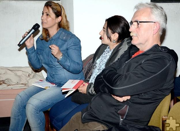 Im Anschluss an die Lesung fand ein reger Austausch zwischen der Autorin und dem Publikum statt. Die in Arabisch gestellten Fragen wurden anschließend von der Autorin übersetzt. Foto: Sarah Winter/pp/Agentur ProfiPress