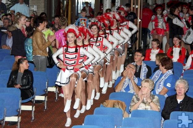 Bereits 27 befreundete Karnevalsvereine haben ihr Kommen beim 18. Mechernicher Gardetreffen in der Aula des städtischen Schulzentrums zugesagt. Foto: Hermann-Josef Schlimper/pp/Agentur ProfiPress