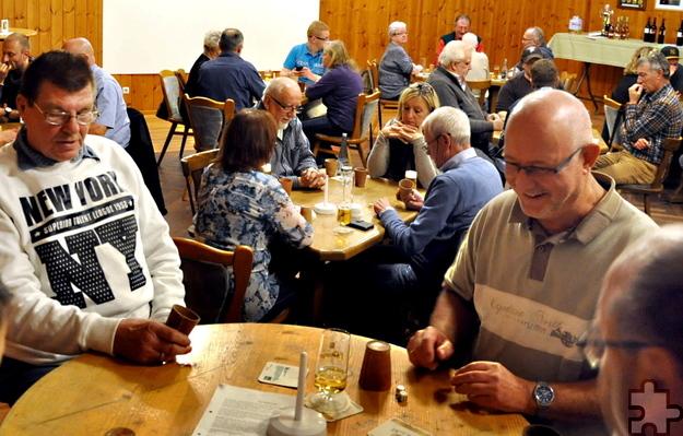Bei der zweiten Kaller Schocker-Meisterschaft im Saal Gier waren alle neun Tische besetzt. Foto: Reiner Züll/pp/Agentur ProfiPress