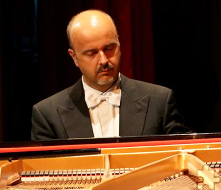 Meisterpianist Antonio Cristofano ist am Sonntag, 8. Januar, um 17 Uhr zum Klavierabend von Montjoie Musicale zu Gast. Foto: Veranstalter/pp/Agentur ProfiPress
