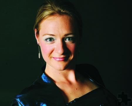 Die erfolgreiche Sopranistin Cecilia Acs tritt am Samstag, 17. Dezember, 20 Uhr, in der Bürgerhalle beim Weihnachtskonzert des MGV Kommern auf. Foto: Privat/pp/Agentur ProfiPress