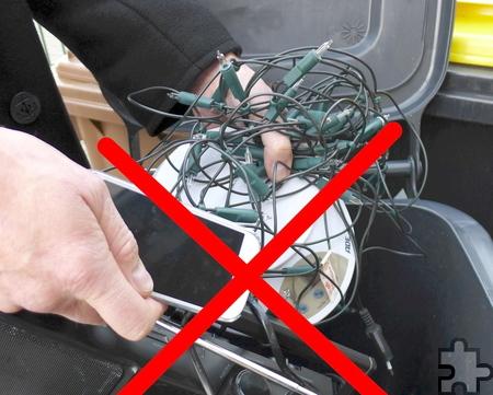 Alte Elektrogeräte gehören nicht in den Restmüll. Sie müssen getrennt entsorgt werden. Foto: Karen Beuke/Kreis Euskirchen/pp/Agentur ProfiPress