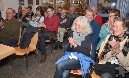 Die Gäste bekamen am Lesungsabend einiges geboten. Mit heiteren Geschichten brachte Hubert vom Venn sein Publikum immer wieder zum Lachen. Foto: Sarah Winter/pp/Agentur ProfiPress