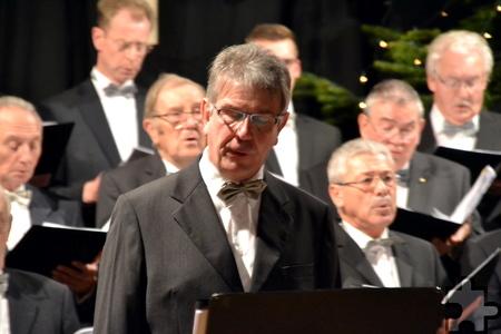 Mit seinem Bariton überzeugte Vereinsvorsitzender Wolfgang Stratmann nicht nur im Ensemble, sondern auch als Solist. Foto: Cedric Arndt/pp/Agentur ProfiPress
