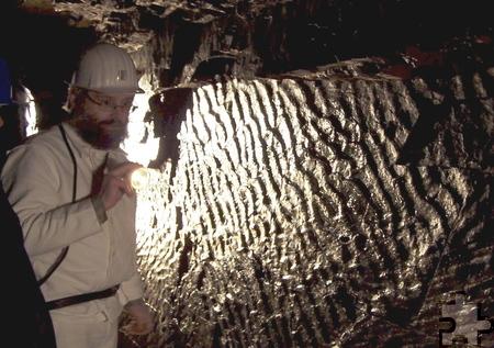 """Von dem fast 2,5 km langen """"Tiefen Stollen"""" des ehemaligen Bleierzbergwerks """"Grube Wohlfahrt"""" können heute etwa 900 Meter im Rahmen einer spannenden Tour erkundet werden. Foto: Privat/pp/Agentur ProfiPress"""