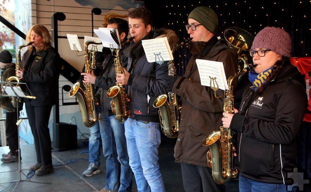 Statt jecker Musik zum Schunkeln spielte die Prinzengarde Weihnachtslieder. Foto: Thomas Schmitz/pp/Agentur ProfiPress