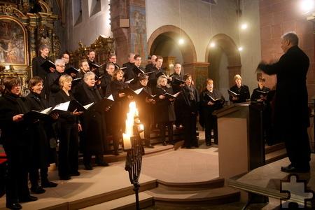 Das Düsseldorfer Ensemble Provocale gab ein Adventskonzert in der Steinfelder Basilika. Foto: Stefan Lieser/pp/Agentur ProfiPress